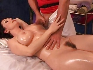 rayveness has her minge massaged and not empty to
