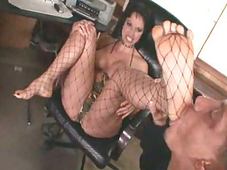 niki facesitting and legs like part 2