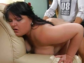 plump cougar prepared for some intense drilling