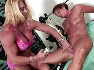 bodybuilding porn with super bush