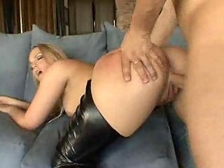 bleached woman into horny shoes screws her boss