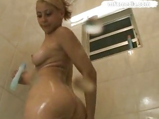 piss lovely babe pee
