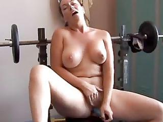 amateur mature dildoing herself