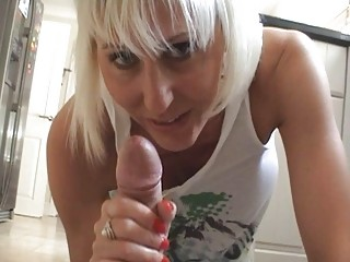 desperate blond momma gives difficult rod a hot
