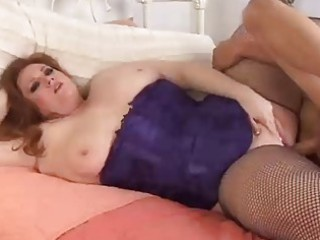 beautiful green head bbw inside fishnet nylons