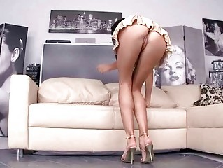 Anita Pearl showing off her sexy legs and feet