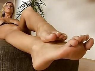 strong butt enjoying albino with feet fetish fist