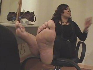 legs guaranteed to make u cum!!!!