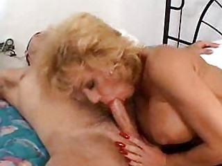 horny lady sammie sparks squeezes a wide libido