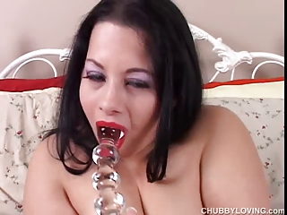 awesome huge boobs brunette bbw has a juicy cave