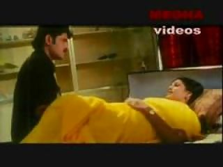 indian mallu actress pleasing with her lover